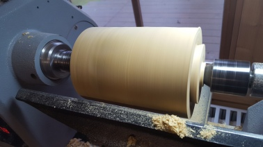 14. Turn the chuck dovetail onto the bottom of the log
